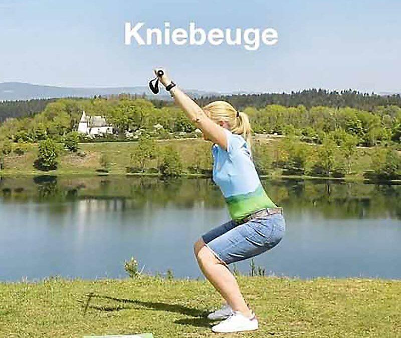 Fit in der Natur mit den Gesundland-Experten – Übung: Kniebeuge