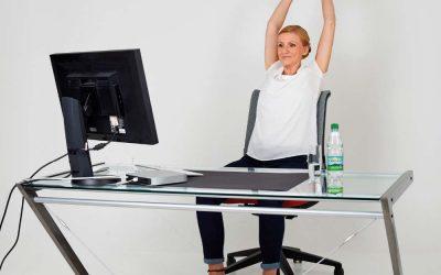 Fit im Büro mit den Gesundland-Experten – Übung 2: Gestreckte Wirbelsäule 2