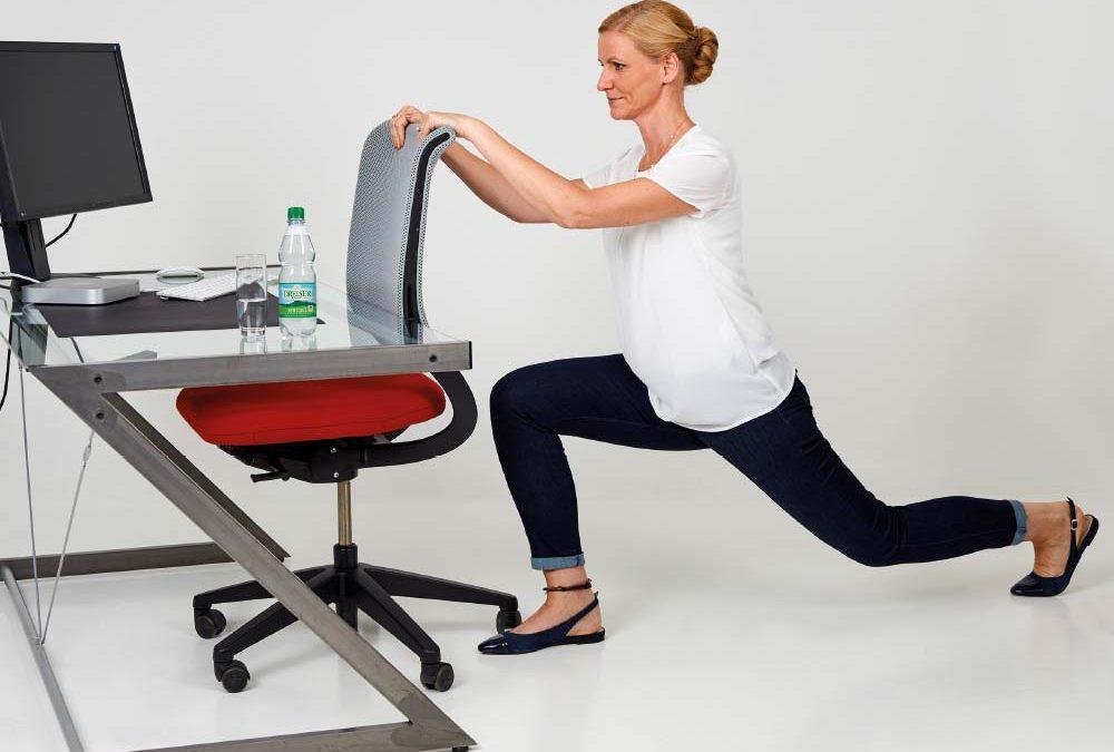 Fit im Büro mit den Gesundland-Experten – Übung 8: Ausfallschritt